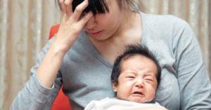 """10 giai đoạn trẻ """"khó ngủ, quấy khóc"""" nhất"""